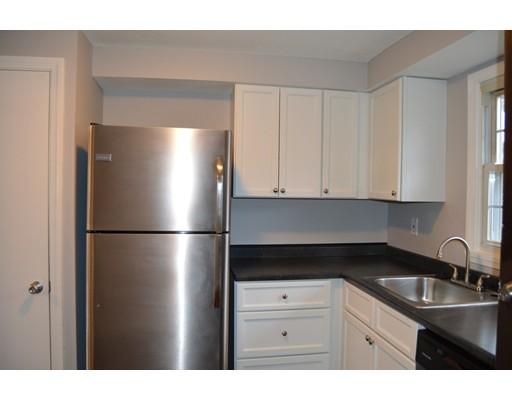 共管式独立产权公寓 为 销售 在 40 Hadley Village Road 40 Hadley Village Road South Hadley, 马萨诸塞州 01075 美国