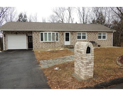 Casa Unifamiliar por un Venta en 5 Primrose Lane 5 Primrose Lane Holyoke, Massachusetts 01040 Estados Unidos