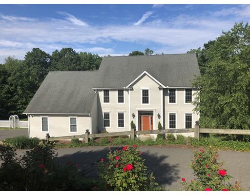 Enfamiljshus för Försäljning vid 39 Canterbury Circle 39 Canterbury Circle East Longmeadow, Massachusetts 01028 Usa
