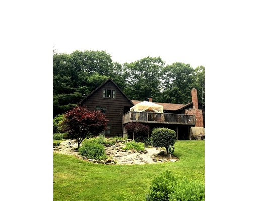 Частный односемейный дом для того Продажа на 17 Gore Road 17 Gore Road Blandford, Массачусетс 01008 Соединенные Штаты
