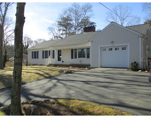Single Family Home for Sale at 147 Braggs Lane 147 Braggs Lane Barnstable, Massachusetts 02630 United States