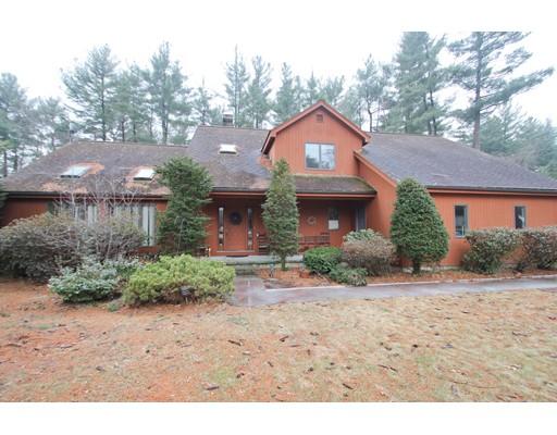 Maison unifamiliale pour l Vente à 15 Shirley Street 15 Shirley Street Wilbraham, Massachusetts 01095 États-Unis