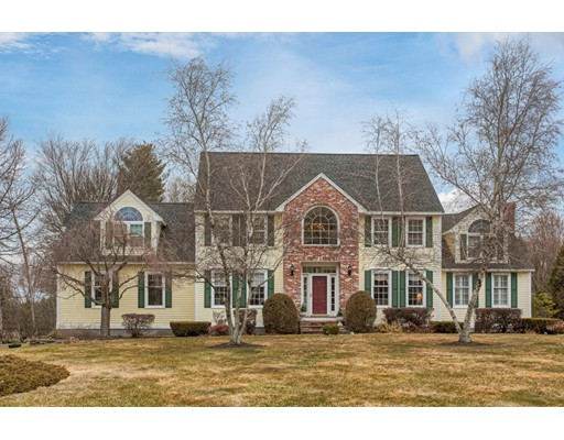 Single Family Home for Sale at 23 Old Farm Way 23 Old Farm Way Chelmsford, Massachusetts 01824 United States