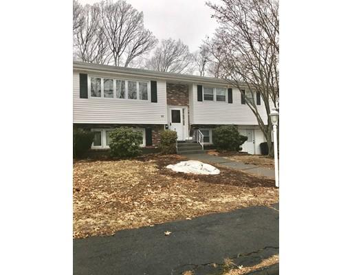 Casa Unifamiliar por un Alquiler en 45 Niles Road 45 Niles Road Randolph, Massachusetts 02368 Estados Unidos