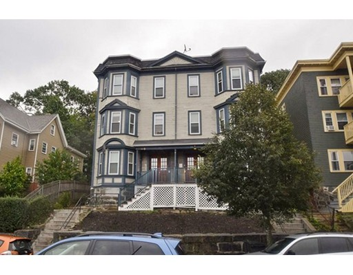 Casa Multifamiliar por un Venta en 106 Hyde Park Avenue Boston, Massachusetts 02130 Estados Unidos