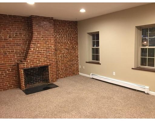 Casa Unifamiliar por un Alquiler en 48 Union Street Lawrence, Massachusetts 01840 Estados Unidos