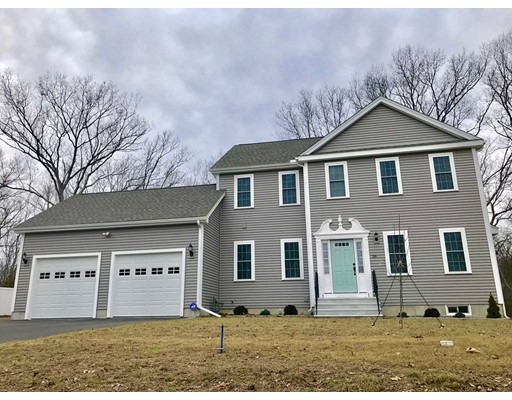 Single Family Home for Sale at 38 Bentley Drive 38 Bentley Drive Uxbridge, Massachusetts 01569 United States
