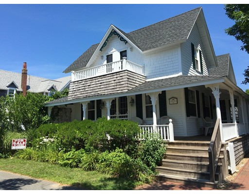 Single Family Home for Sale at 31 Tuckernuck Avenue 31 Tuckernuck Avenue Oak Bluffs, Massachusetts 02557 United States