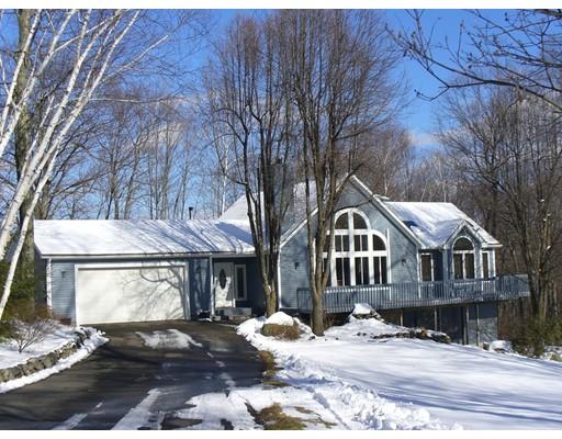 Single Family Home for Sale at 62 Oak Ridge Drive 62 Oak Ridge Drive Belchertown, Massachusetts 01007 United States