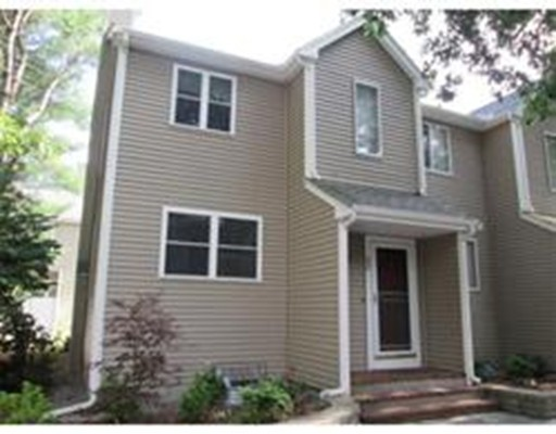 Condominio por un Alquiler en 32 Fairfield #32 32 Fairfield #32 Mansfield, Massachusetts 02048 Estados Unidos