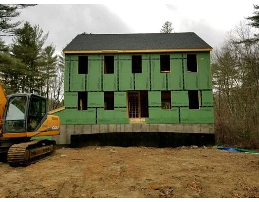 独户住宅 为 销售 在 91 King Street 91 King Street Hanson, 马萨诸塞州 02341 美国