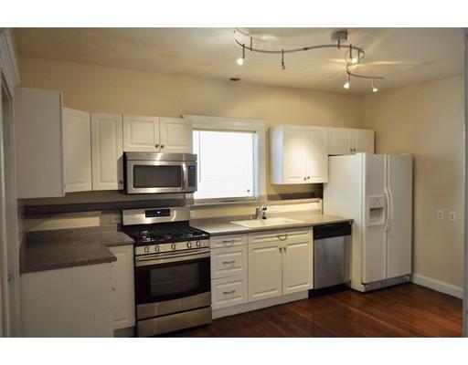 Casa Multifamiliar por un Venta en 170 Winthrop Avenue 170 Winthrop Avenue Revere, Massachusetts 02151 Estados Unidos