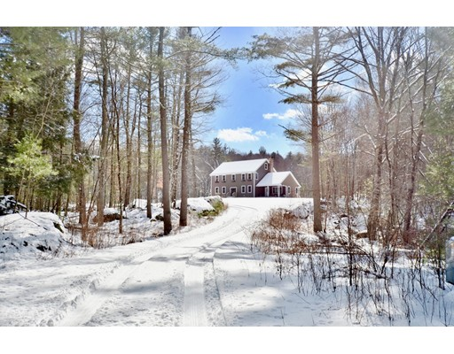 Single Family Home for Sale at 16 Fairway 16 Fairway Thompson, Connecticut 06255 United States