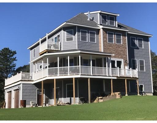 Maison unifamiliale pour l Vente à 227 Old Plymouth Road 227 Old Plymouth Road Bourne, Massachusetts 02562 États-Unis