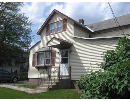 Частный односемейный дом для того Аренда на 296 Mechanic Street 296 Mechanic Street Leominster, Массачусетс 01453 Соединенные Штаты
