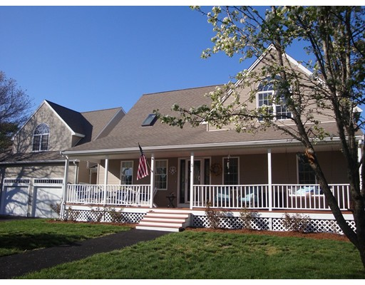 Single Family Home for Sale at 5 Roundhill Blvd 5 Roundhill Blvd Wareham, Massachusetts 02538 United States