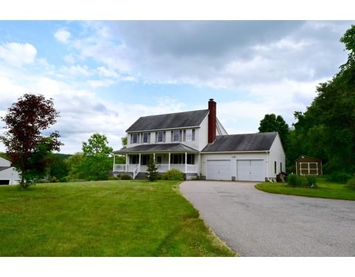 Maison unifamiliale pour l Vente à 55 Bay Path Road 55 Bay Path Road Warren, Massachusetts 01083 États-Unis