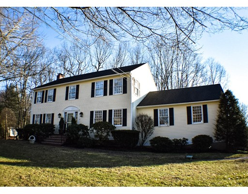 Single Family Home for Sale at 3 Partridge Trail 3 Partridge Trail Bellingham, Massachusetts 02019 United States