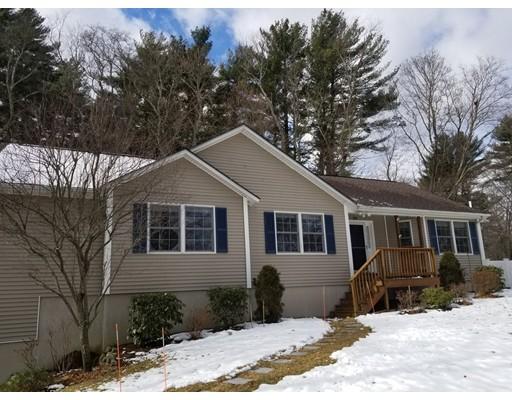 واحد منزل الأسرة للـ Sale في 25 Francis Avenue 25 Francis Avenue West Bridgewater, Massachusetts 02379 United States