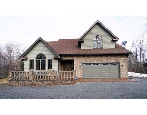 Частный односемейный дом для того Продажа на 317 Skyline Ridge Road 317 Skyline Ridge Road Becket, Массачусетс 01223 Соединенные Штаты