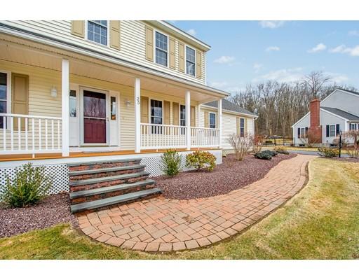 独户住宅 为 销售 在 25 Hilltop Farm Road 25 Hilltop Farm Road Auburn, 马萨诸塞州 01501 美国