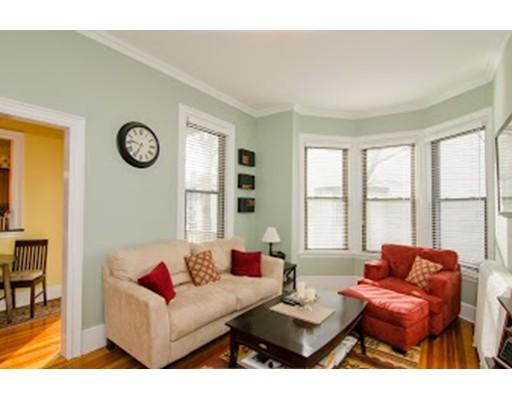 Appartement en copropriété pour l à louer à 22 Park #3 22 Park #3 Newton, Massachusetts 02458 États-Unis