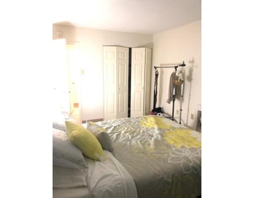 Частный односемейный дом для того Аренда на 130 Bowdoin Street 130 Bowdoin Street Boston, Массачусетс 02108 Соединенные Штаты