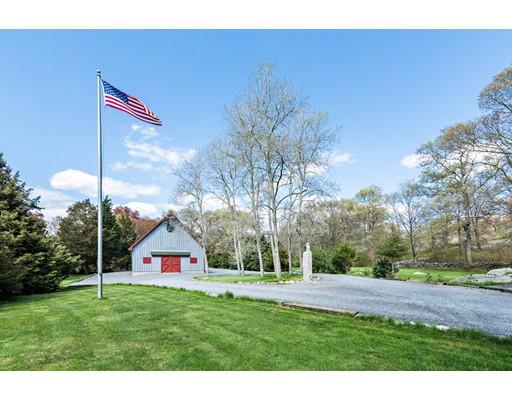 Частный односемейный дом для того Продажа на 253 Cummings Road 253 Cummings Road Swansea, Массачусетс 02777 Соединенные Штаты