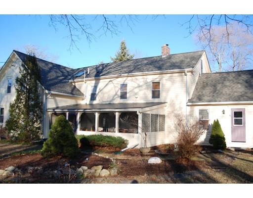 独户住宅 为 销售 在 56 Marion Road 56 Marion Road Rochester, 马萨诸塞州 02770 美国