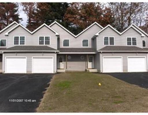 Commercial pour l Vente à Ain's Manor Road Ain's Manor Road Palmer, Massachusetts 01069 États-Unis