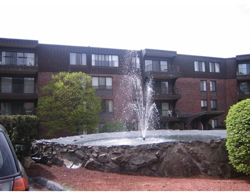 Condominium for Rent at 1008 Paradise Road #3-L 1008 Paradise Road #3-L Swampscott, Massachusetts 01907 United States