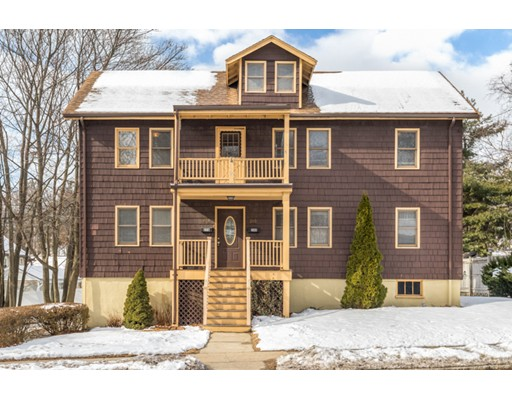 Casa Multifamiliar por un Venta en 276 Lebanon Street 276 Lebanon Street Melrose, Massachusetts 02176 Estados Unidos