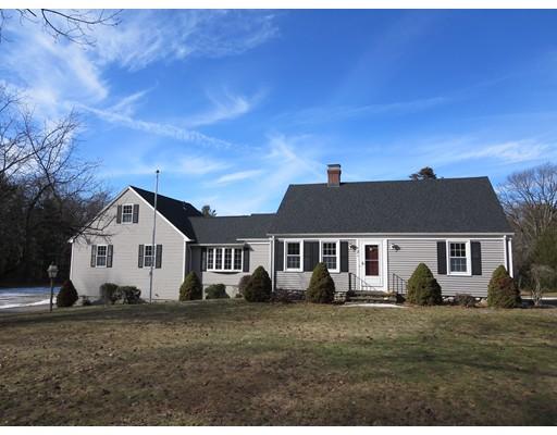 Casa Unifamiliar por un Alquiler en 121 South Road 121 South Road Holden, Massachusetts 01520 Estados Unidos