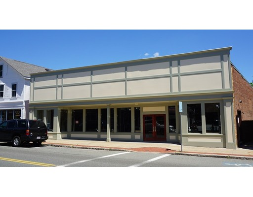 Commercial pour l Vente à 31 Center Street 31 Center Street Middleboro, Massachusetts 02346 États-Unis
