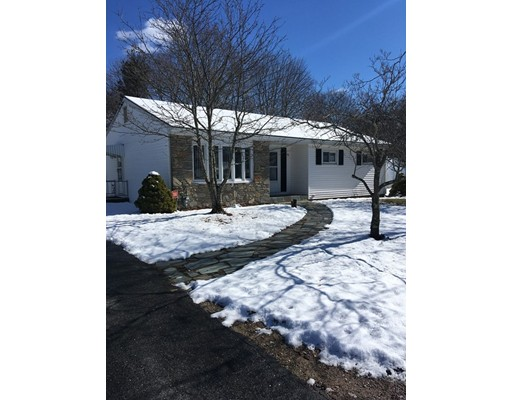 Single Family Home for Rent at 90 Allardice Road 90 Allardice Road Somerset, Massachusetts 02726 United States