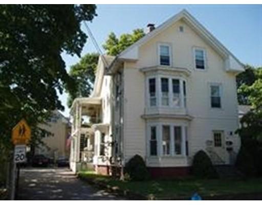 Casa Unifamiliar por un Alquiler en 86 Richards Avenue 86 Richards Avenue North Attleboro, Massachusetts 02760 Estados Unidos
