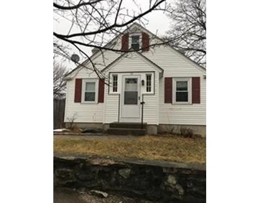 独户住宅 为 销售 在 32 Hough Road 32 Hough Road Lawrence, 马萨诸塞州 01843 美国