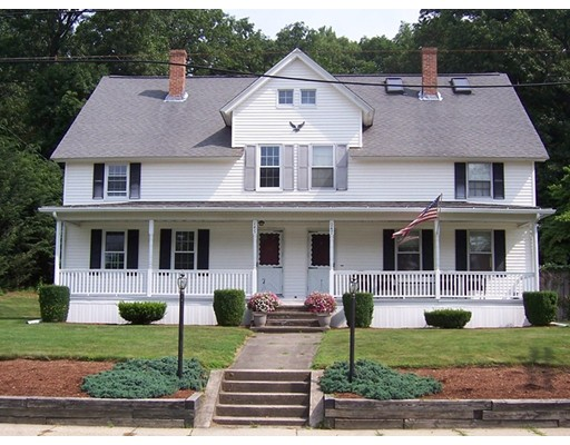 Casa unifamiliar adosada (Townhouse) por un Alquiler en 145 School St #145 145 School St #145 Northbridge, Massachusetts 01534 Estados Unidos