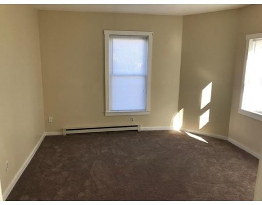 Apartamento por un Alquiler en 25 Main Street #2 25 Main Street #2 Shirley, Massachusetts 01464 Estados Unidos
