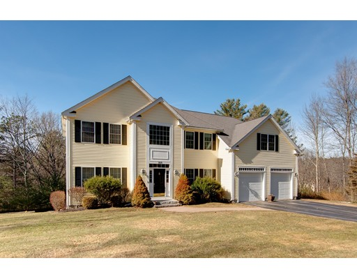 独户住宅 为 销售 在 168 North Street 168 North Street 厄普顿, 马萨诸塞州 01568 美国