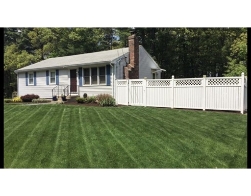 Single Family Home for Sale at 79 Ivy Lane 79 Ivy Lane Northbridge, Massachusetts 01588 United States