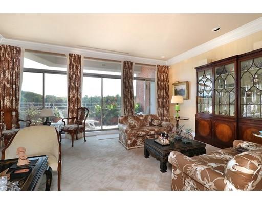 Appartement en copropriété pour l à louer à 99 Florence Street #5A 99 Florence Street #5A Newton, Massachusetts 02467 États-Unis