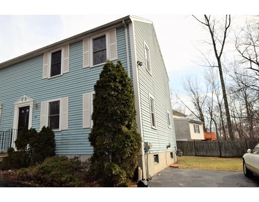 Single Family Home for Sale at 29 Vincent Circle 29 Vincent Circle Worcester, Massachusetts 01604 United States