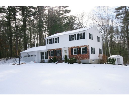 Single Family Home for Sale at 24 Hillview Road 24 Hillview Road North Reading, Massachusetts 01864 United States