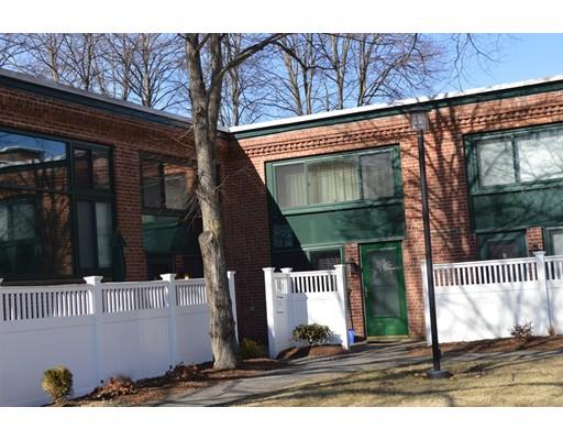 共管式独立产权公寓 为 销售 在 150 Rumford Ave #5 150 Rumford Ave #5 Mansfield, 马萨诸塞州 02048 美国