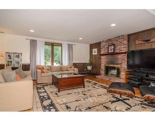 Single Family Home for Sale at 447 Massapoag Avenue 447 Massapoag Avenue Sharon, Massachusetts 02067 United States