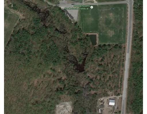 Terrain pour l Vente à Address Not Available Lancaster, Massachusetts 01523 États-Unis