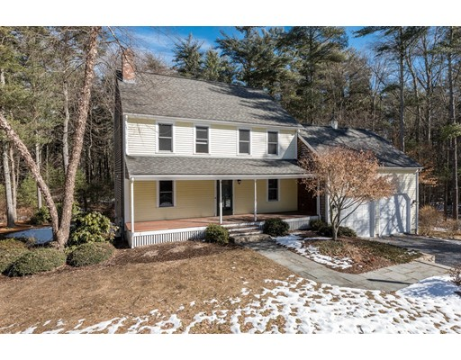 Single Family Home for Sale at 82 Pine Wood Path 82 Pine Wood Path East Bridgewater, Massachusetts 02333 United States