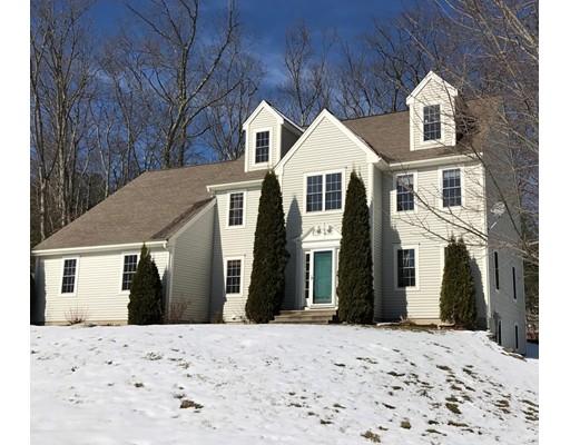Частный односемейный дом для того Продажа на 1 Evergreen Lane 1 Evergreen Lane Sturbridge, Массачусетс 01518 Соединенные Штаты