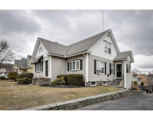 Maison unifamiliale pour l Vente à 1303 Grafton Street 1303 Grafton Street Worcester, Massachusetts 01604 États-Unis